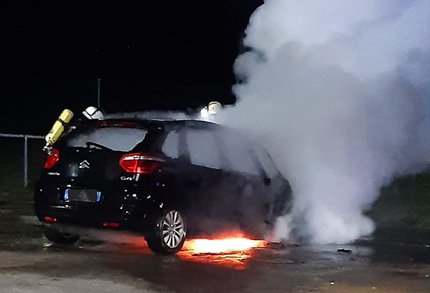 Feuerwehr Thüngen Fahrzeugbrand 2021