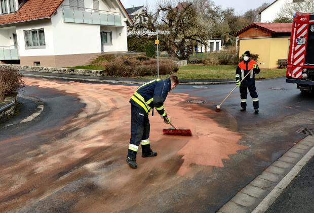 EINSATZ – Ausgedehnter Ölschaden Thüngen